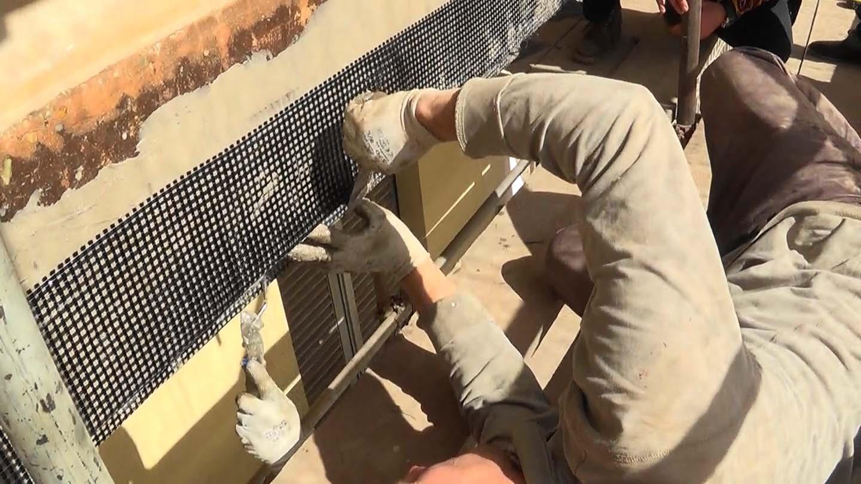 Rinforzo con tessuti in carbonio bidirezionali nei balconi di via Pigafetta - foto 1