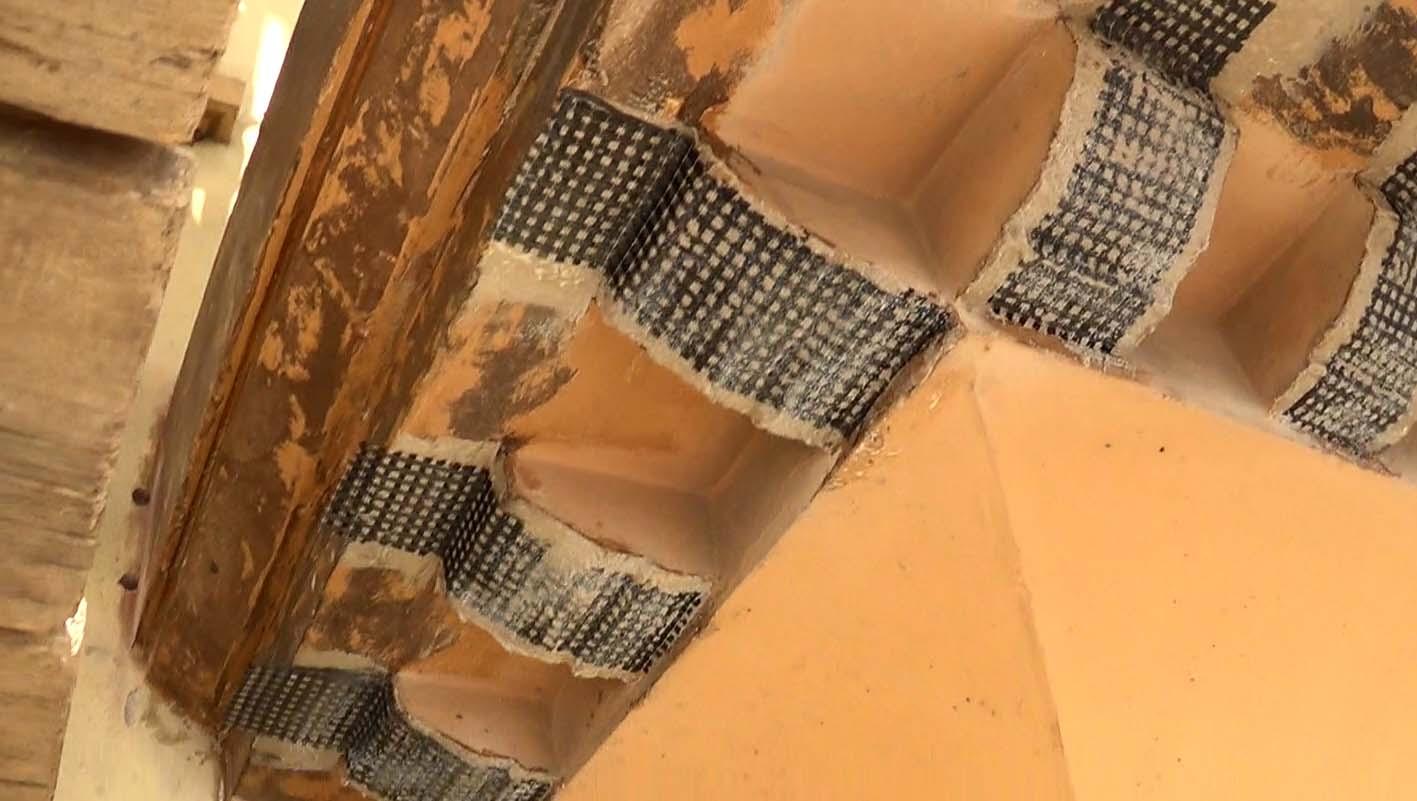 Rinforzo con tessuti in carbonio bidirezionali nei balconi di via Pigafetta - foto 2
