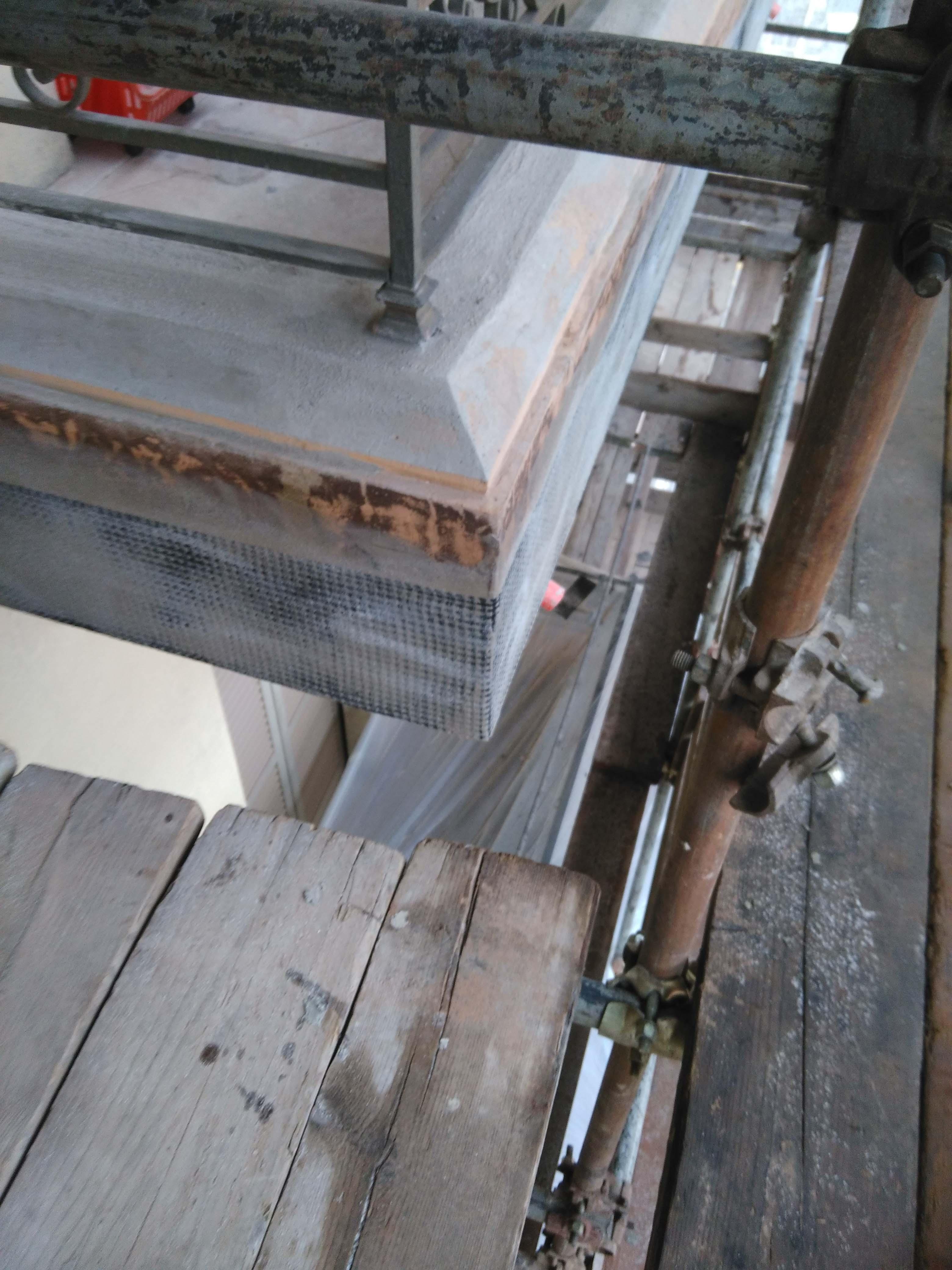 Rinforzo con tessuti in carbonio bidirezionali nei balconi di via Pigafetta - foto 4