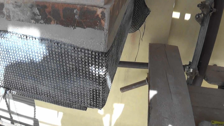 Rinforzo con tessuti in carbonio bidirezionali nei balconi di via Pigafetta - foto 5