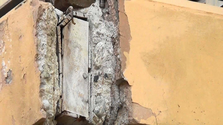 Balcone in via Pigafetta - cassero legno