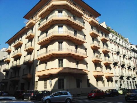 Ripristino e rinforzo dei balconi in via Pigafetta, Torino